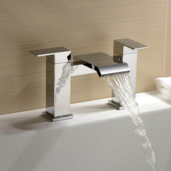 Salto Bath Filler Tap